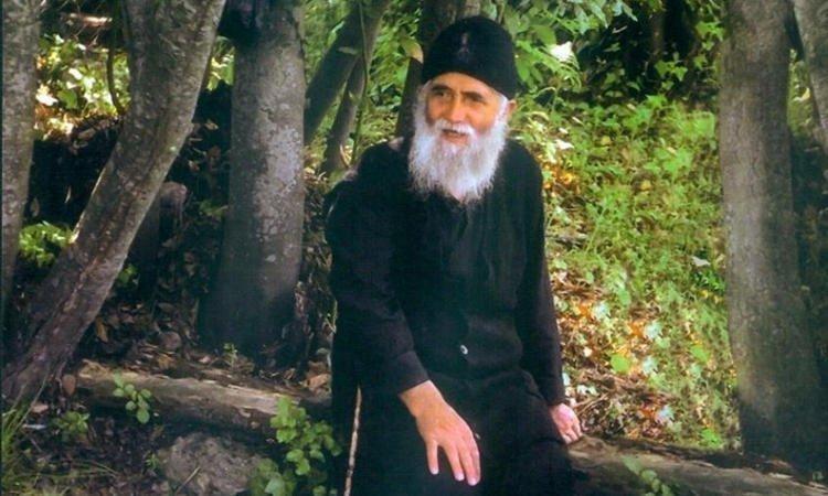 Γιατί ο Άγιος Γέροντας Παΐσιος δεν έγινε ιερέας