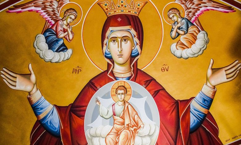 Photo of Τι είναι οι Χαιρετισμοί της Παναγίας;