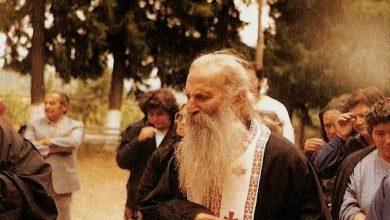 Photo of Άγιος γέροντας Ιάκωβος Τσαλίκης: «Φύλακας Άγγελος»