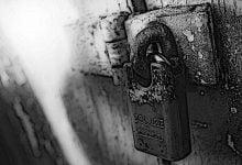 Θαύμα Παναγίας σε κλειστές Εκκλησίες