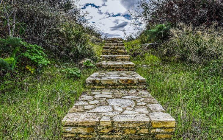 Γέροντος Μωυσέως Αγιορείτου: Η επιστημονική πλούσια γνώση θέλει να εξοβελίσει τον Θεό