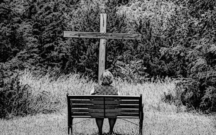 Ο Θεός εγκαταλείπει τον άνθρωπο; Ο Θεός δεν με εγκατέλειψε!