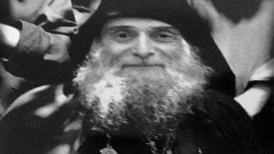 Άγιος Γαβριήλ ο δια Χριστόν σαλός και ομολογητής - Πρέπει να κάνεις σωστά το σταυρό σου