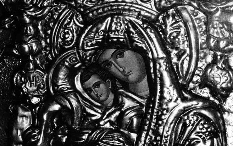 Η Παναγία θέλει να τιμούμε το Άξιον εστιν