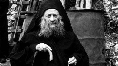 Ο Άγιος Ιωσήφ ο Ησυχαστής διώχνει τον πειρασμό